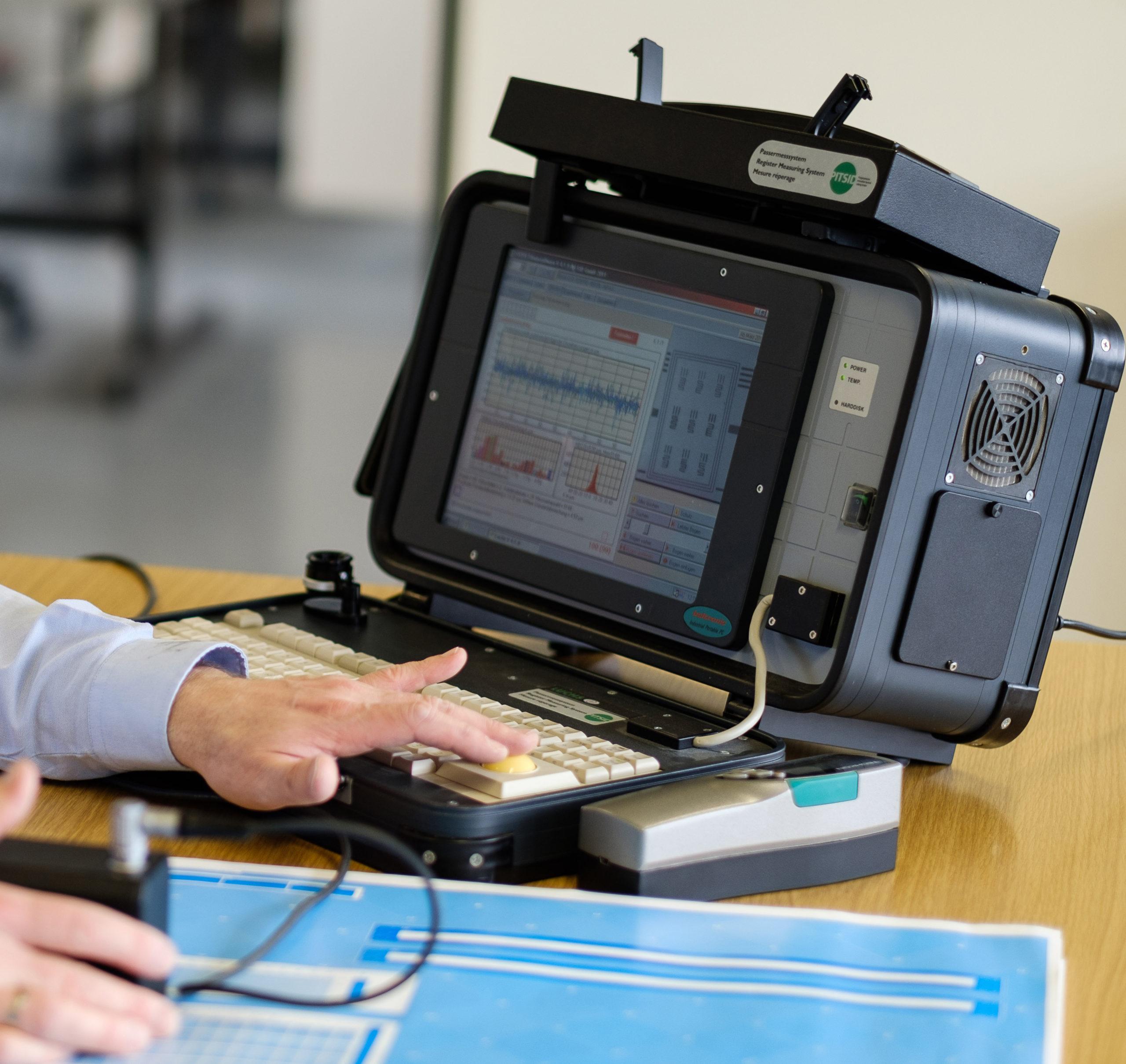 Apparatur zur Durchführung der neutralen Druckmaschinenabnahme